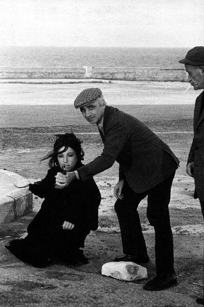 """Mario Monicelli turns Monica Vitti into """"La ragazza con la pistola""""."""