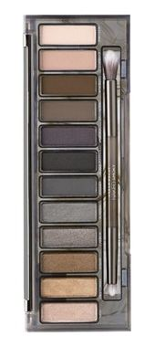 The Urban Decay 'Naked Smoky' palette makes it so easy to nail any smoky eye look.