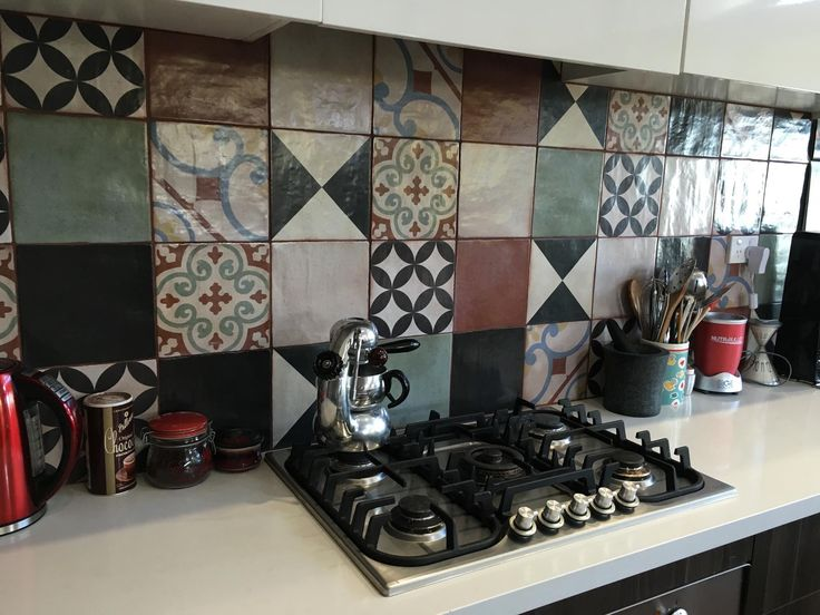 Another happy customer enjoying her lovely new kitchen courtesy of Design Tiles. If you want to update your kitchen with these beautiful 'Sevilla' tiles we have a wide range of patterns and colours to choose from. Give us a ring on 02 9567 8971 or message us for more details #designtilesrockdale #dtmyhouse #renovation #kitchen #inspo #happy