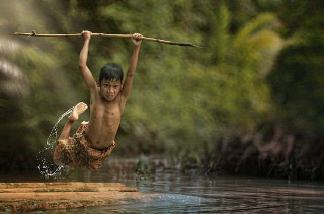 Life In Indonesian Villages Captured by Herman Damar 13