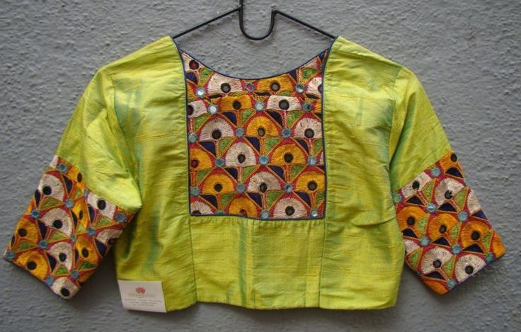 olive-green-kutch-work-blouses-from-houses-of-taamara-1.jpg (740×472)