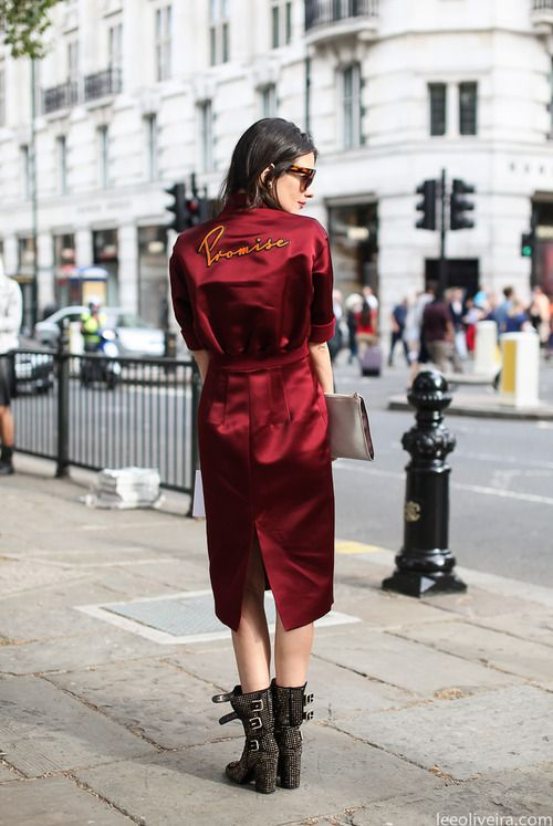 PROMISE: Red, Style Inspiration, Lee Olive, Street Style, Dresses, Burgundy Satin, Street Style, London Fashion Weeks, Leeoliveira