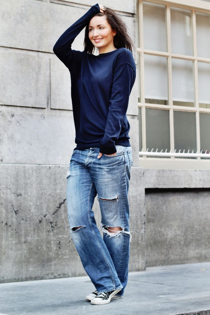 The Basics // Navy Sweater + Distressed Boyfriend Jeans + Black Low-Top Converse Sneakers.