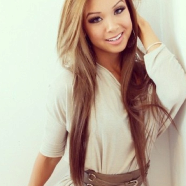 This is the color I want my hair except maybe not that brown...but I love the top part:)))