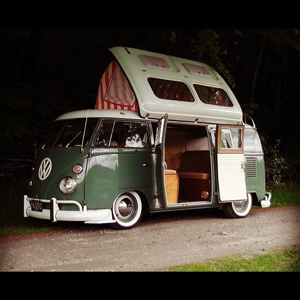 LOVES THE VW CAMPERS http://vwbeetlebugforsale.blogspot.com/