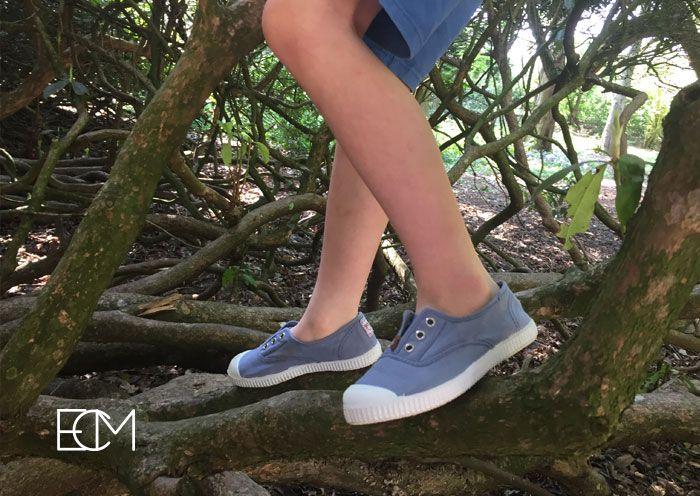 zapatos españoles, sesión de fotos, , moda infantil, zapatos niños, pisamonas zapatería infantil, zapatos verano, zapatillas con puntera