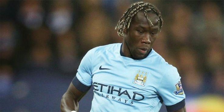 Bursa Transfer 2015, AS Roma Kini Dekati Sagna - Pemain Manchester City, Bacary Sagna, kabarnya tengah menarik perhatian AS Roma, jelang...
