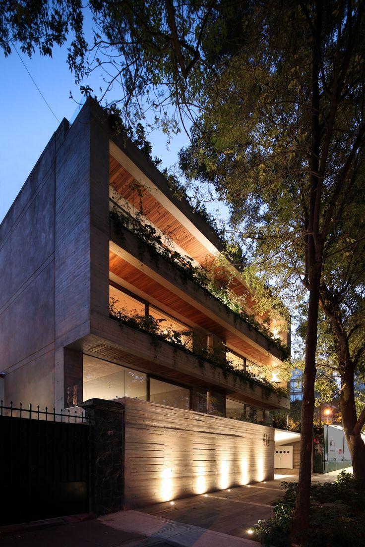 Desde la Ciudad de México, llega FRB Arquitectura Su objetivo es seguir evolucionando y ampliar su filosofía de trabajo y de vida. #ArtistaEmergente