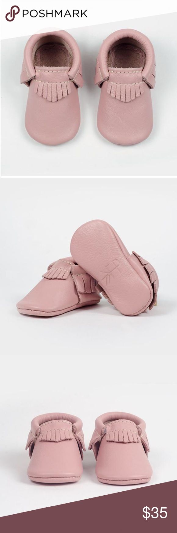 Freshly Picked Leather Mocassins in Blush Sz 2 Freshly Picked Leather Mocassins in Blush Color!! Excellent condition-- only put them on baby once! Size 2-- comes with dust bag and could be gifted as brand new!! Freshly Picked Shoes Baby & Walker