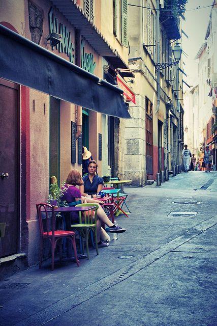 Backstreet cafe - Nice, Côte d'Azur