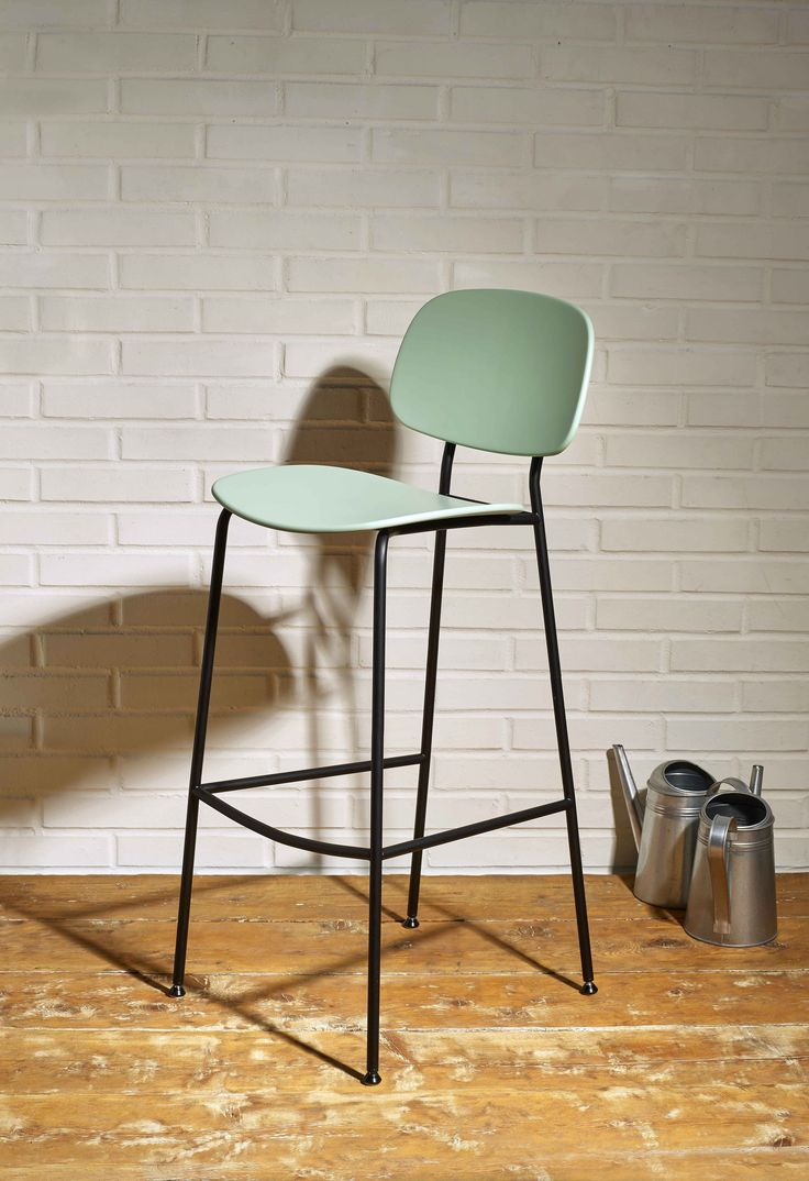 TONDINA POP stool. Design by Favaretto & Partners for Infiniti