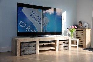 Audiomeubel / tv meubel Lyvia - combinatie van gebruikt steigerhout en oude fruitkratten. Gemaakt voor de tv's van nu - by Johnnyblue.nl