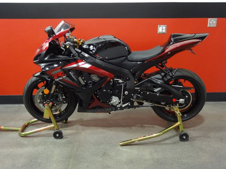 2006 Suzuki GSX-R 2006 SUZUKI GSX-R GSXR 750 K6 2677 MILES ORIGINAL OWNER LIKE NEW CANDY RED/BLACK please retweet