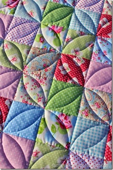 link doesn't lead to this image - like this idea for simple quilting with squares (Isla's quilt?)