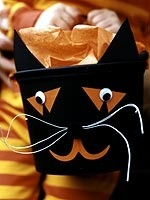 How cute is this black cat candy holder?