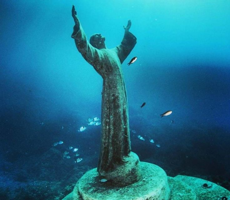 Christ of the Abyss (Italy) - It is possible to dive or snorkle to this bronze statue of Jesus Christ in front of Portofino. The original statue was placed in 1954 but renewed and placed in its current location in 2004. - Want to discover more hidden gems in Europe? All of them can be found on www.broscene.com