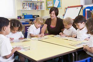New, Modern Liquid Chalk Pens Preferred by Classroom ...