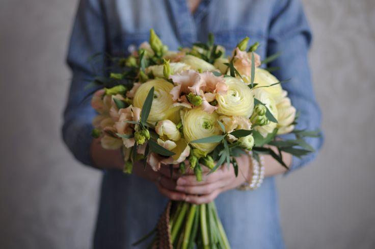 Желто-персиковый букет невесты / Light-yellow and peach bridal bouquet