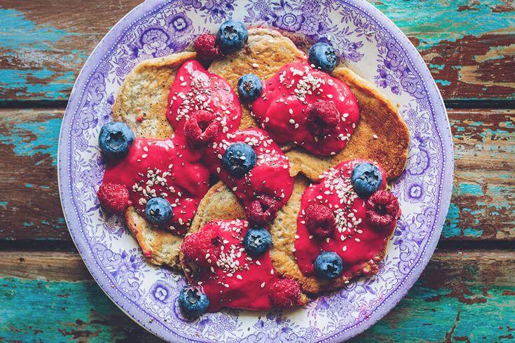 Chiapannkakor  INGREDIENSER ger ca 5-6 st pannkakor om ca 10×10 cm 2 msk chiafrön 1 dl valfri mjölk, jag använde havremjölk 1/2 krm salt 1/2 krm äkta vaniljpulver 1 krm kardemumma 2 ägg 1/2 dl havremjöl 1 tsk…