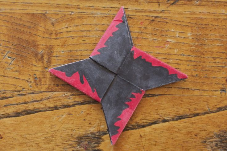 How To Make A Paper Ninja Throwing Star | shoutingforha