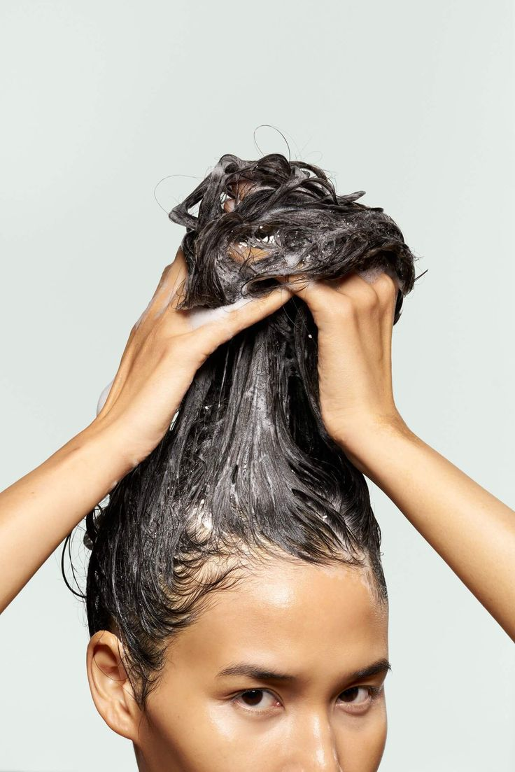 Thinning hair is a nightmare, and one not just experienced by men. Products like biotin shampoo make keeping the hair you have simple. Hair Mask For Damaged Hair, Dull Hair, Hair Masks, Temple Hair Loss, Cat Hair Loss, Biotin Shampoo, Biotin Hair, Hair Shampoo, Reverse Hair Loss