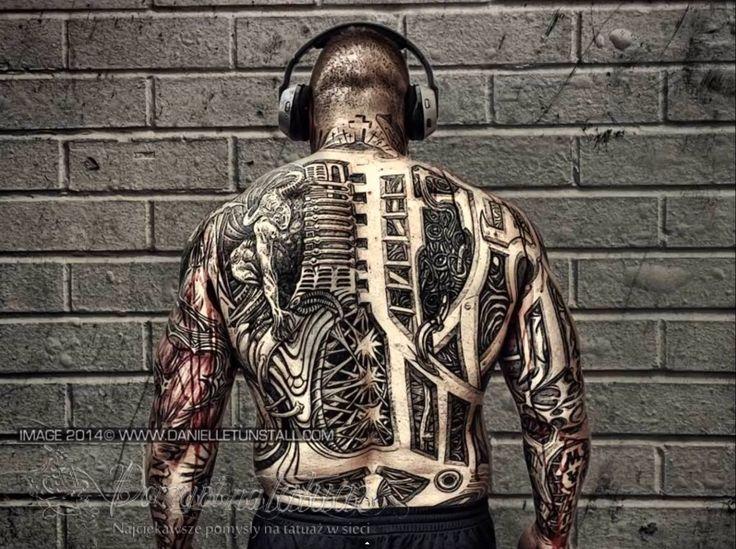 Biomechanika - plecy - Pomysł na tatuaż