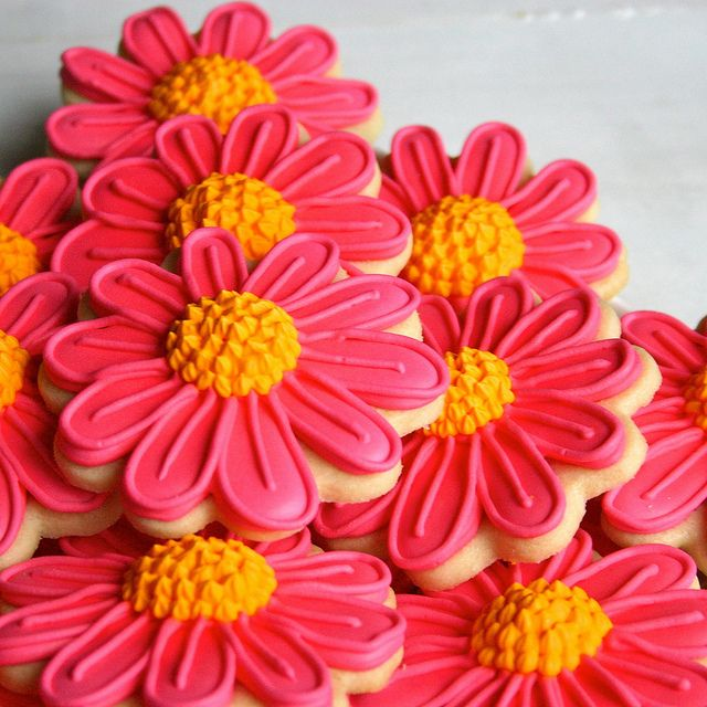 Flower Sugar Cookies by JesicakesBaking, via Flickr