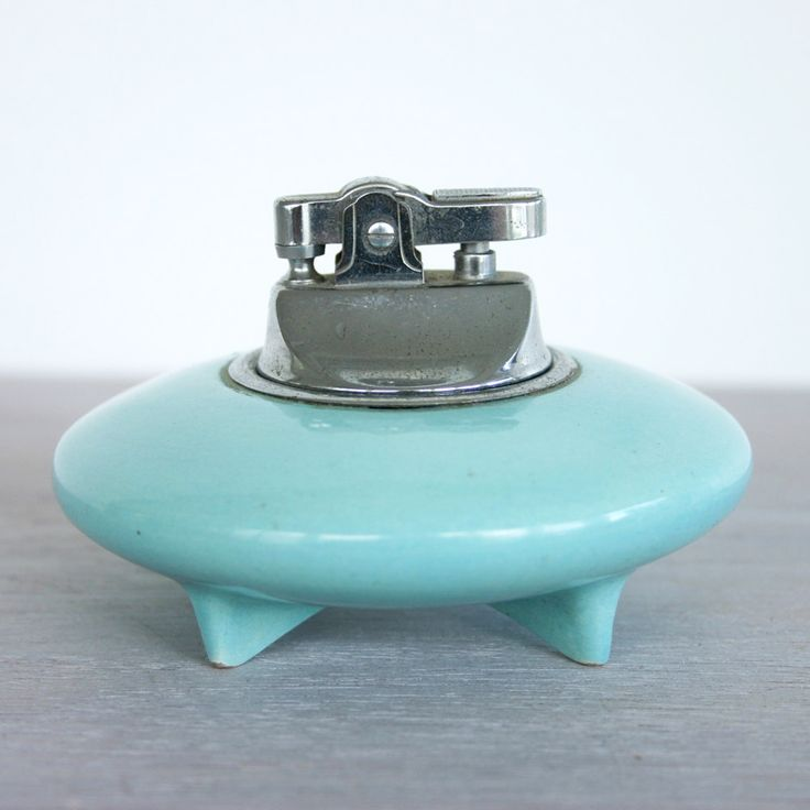 Vintage Ceramic Cigarette Lighter | dotandbo.com OMG I must have this!  I don't smoke but I love the idea of lighting up with an extender... just like all the old movies!