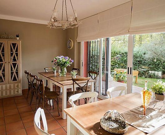 Mejores 12 im genes de extremadura casas grandes grupos en - Como decorar un porche abierto ...