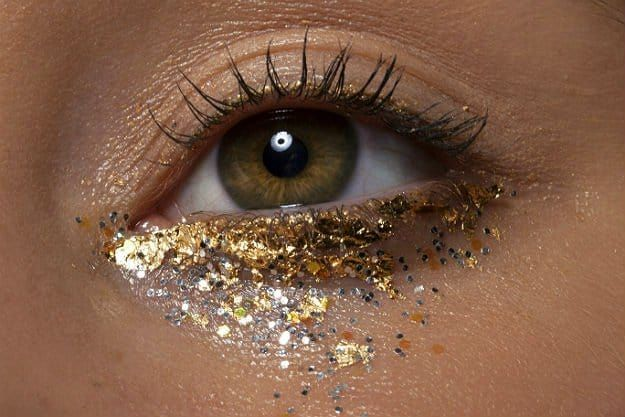 Apply Glitter Makeup Under The Eyes | How To Use Glitter Makeup And Not Look Crazy | Makeup Tutorials