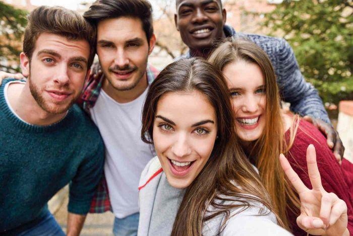5 méthodes pour trouver un job étudiant à la rentrée | Carrière Hôtesse