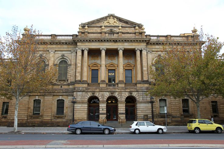 Supreme Court Building, Adelaide.  #saltdamp #damagedpillars #adelaideheritage #heritagearchitecture