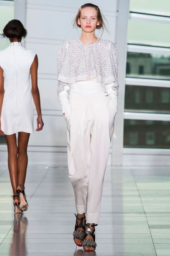 London FW S/S 2015 Antonio Berardi. See all fashion show at: http://www.bookmoda.com/?p=31236 #spring #summer #ss #fashionweek #catwalk #fashionshow #womansfashion #woman #fashion #style #look #collection #london #antonioberardi