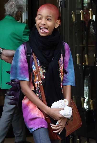 Willow Smith Photo - Will Smith And Family Leaving Their Paris Hotel
