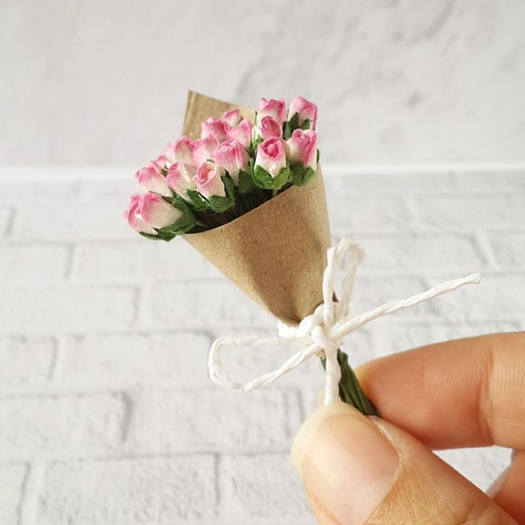 Pink Red Rose Clay Flower Basket Dollhouse Miniatures Barbie Valentine Gift Deco