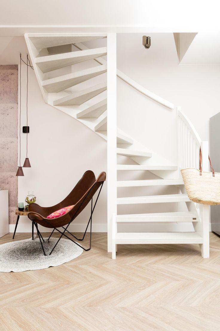Open trap rondom bekleden? Vanuit alle kanten geeft de trap een ruimtelijk effect! Decor: Freshwood