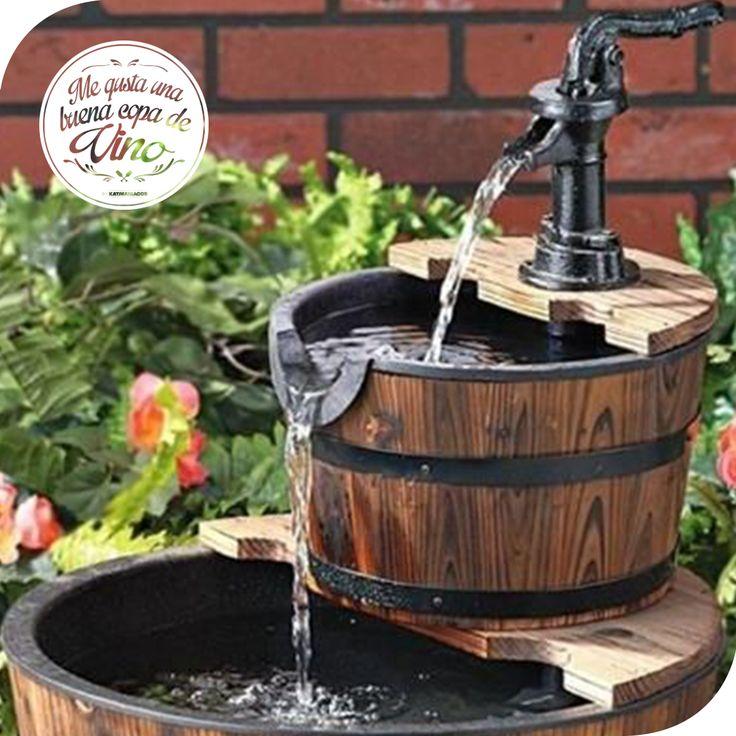 Una linda fuente con el barril donde se hizo el vino - Fuente para patio ...