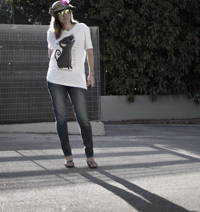 t-shirt with big black cat big eyes | by Margherita Arrighi