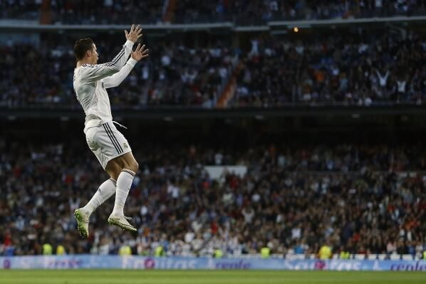 CR7 celebrating his goal; Real Madrid 3 Levante 0 (9/3/2014)