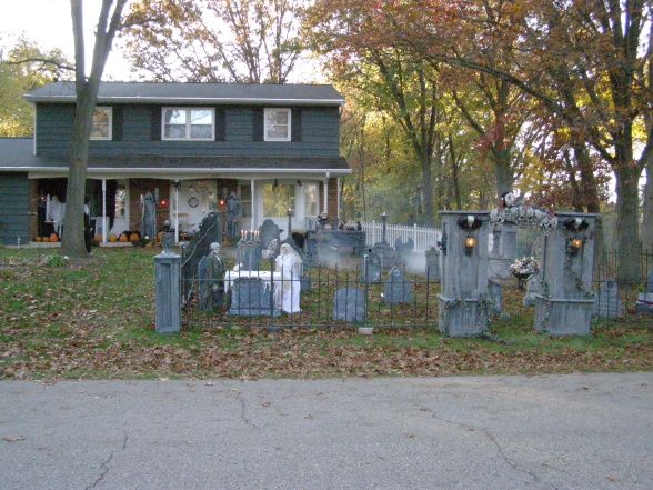 73 Best Halloween Cemetary Ideas Images On Pinterest | Halloween Prop Holidays Halloween And ...