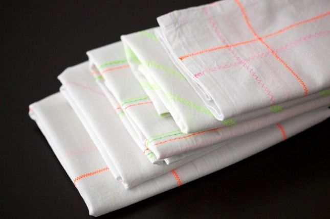 DIY Neon Patterned Tea Towels are SUCH a great idea! Especially love the test sheet with all of the different stitches the machine can make. Good gift idea for sure.