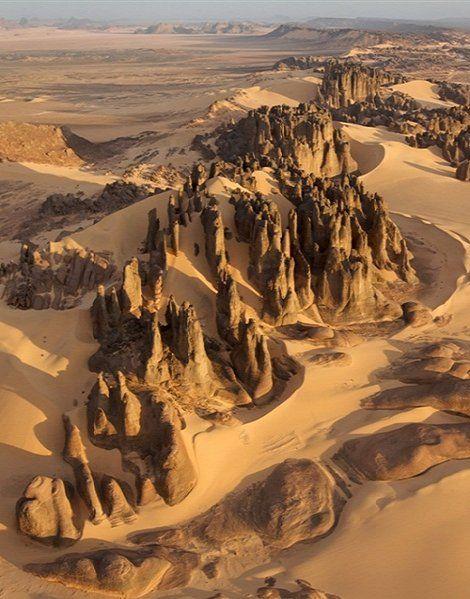 Beautifully eroded rocks - Tassili du Hoggar, Sahara Desert, Algeria (by George Steinmetz)