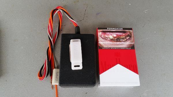 Jual beli KGS 002 pengaman mobil/motor sensor magnet di Lapak Ongki suhendar - kgs_sensor_sentuh. Menjual Alarm System - KUNCI GANDA SENSOR MAGNET ( KGS 002 )  TANPA SAKLAR MANUALTIDAK MERUSAK ACCU Pengaman Motor dengan Sensor Magnet AutoLock System, Pengaman tanpa saklar, tombol, switch, keypad atau perubahan apapun secara fisik pada motor anda, Maling tidak akan tau motor anda dilengkapi dengan alat canggih ini. cara kerja : sebelum sensor di sentuh dengan magnet , Pada waktu kunci kon...