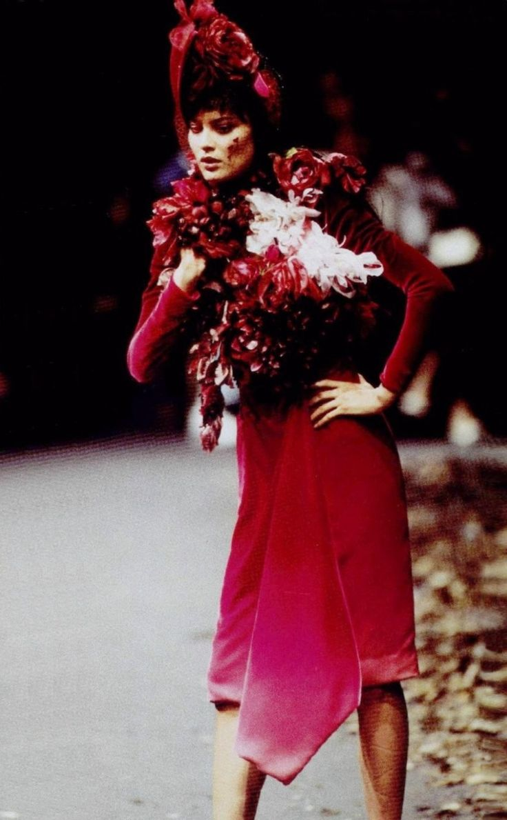 Shalom Harlow at Givenchy Fall Winter 1996/97 Haute Couture