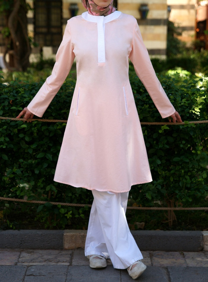 The Rukhsana Tunic. This simple, classic tunic will meet your need for comfort, modesty and style. By popular request, it features those much-needed pockets. #shukr www.shukrclothing.com