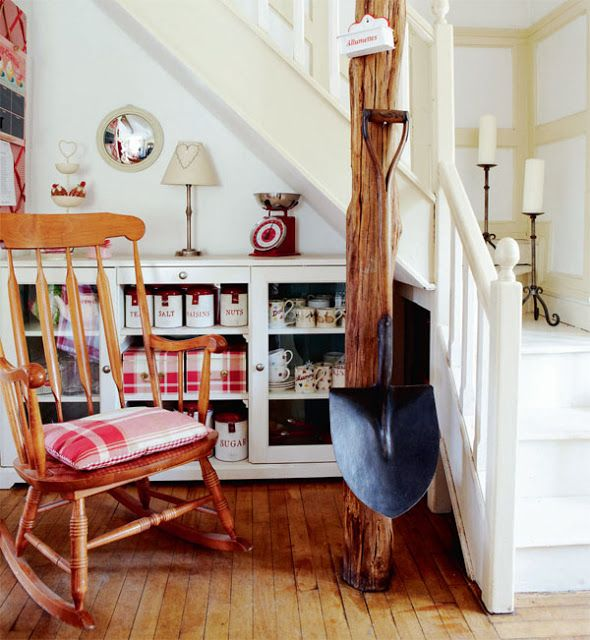 Modern Country Style: English Country House....With Gorgeous Country Kitchen Click through for details.