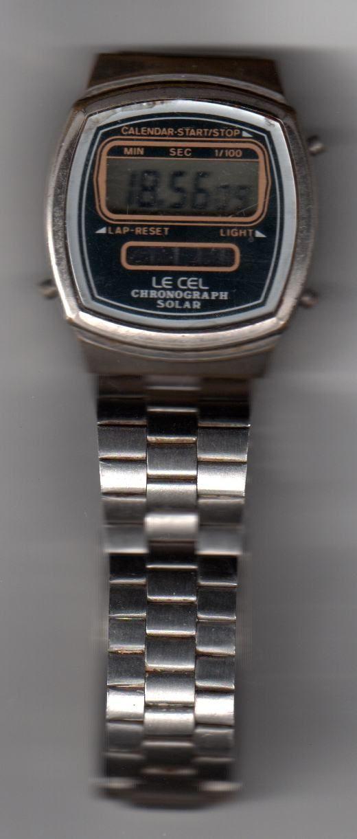 Il mio primo (e ultimo) orologio LCD: eravamo nella metà degli anni '70.  Fatto rivivere...cambiando la pila!