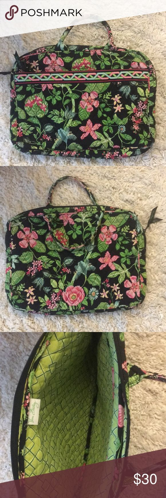 """Vera Bradley laptop carrier bag Adorable quilted laptop bag with front zip pocket. EUC!  Dimensions: 16"""" x 12"""" - fits up to a 15"""" laptop Vera Bradley Bags Laptop Bags"""