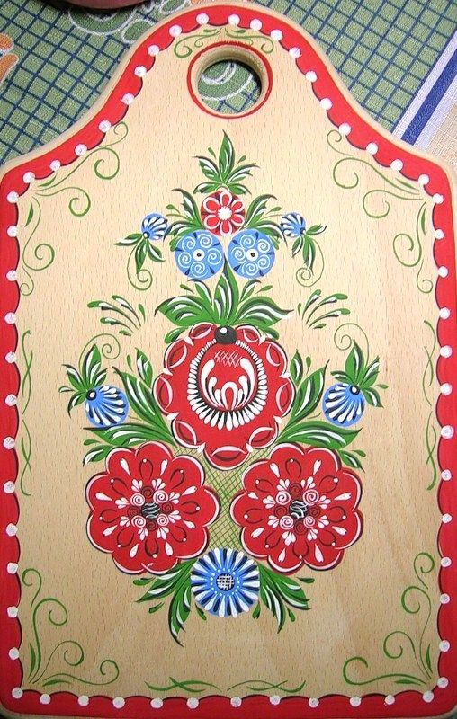 Wooden chopping board decorated with folk Gorodets painting from Russia. Floral pattern. #Russian #folk #art #painting