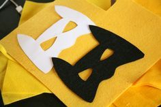 Patron et petit tuto pour réaliser un masque Batman DIY